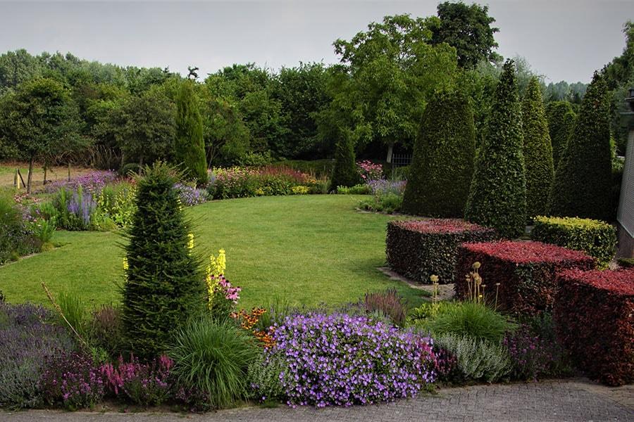 Dutch Quality Gardens Van Ooijens Hoveniers Kleurrijke Tuin Foto 3 Min