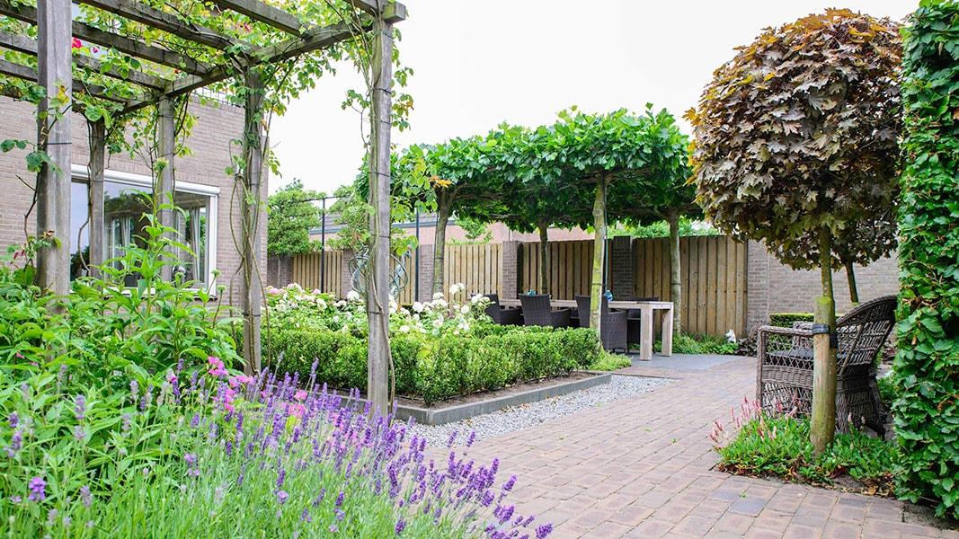 Dutch Quality Gardens Visio Vireo Klassieke Romantische Tuin In Roosendaal 7