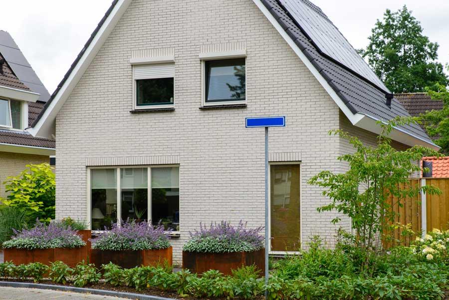 Klassieke Tuin Met Cortenstaal Eshuis Hoveniers 17
