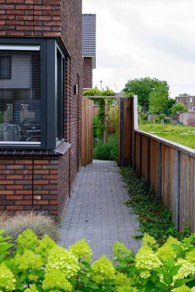 Moderne Tuin In Diagonalen Dutch Quality Gardens Eshuis Hoveniers 10