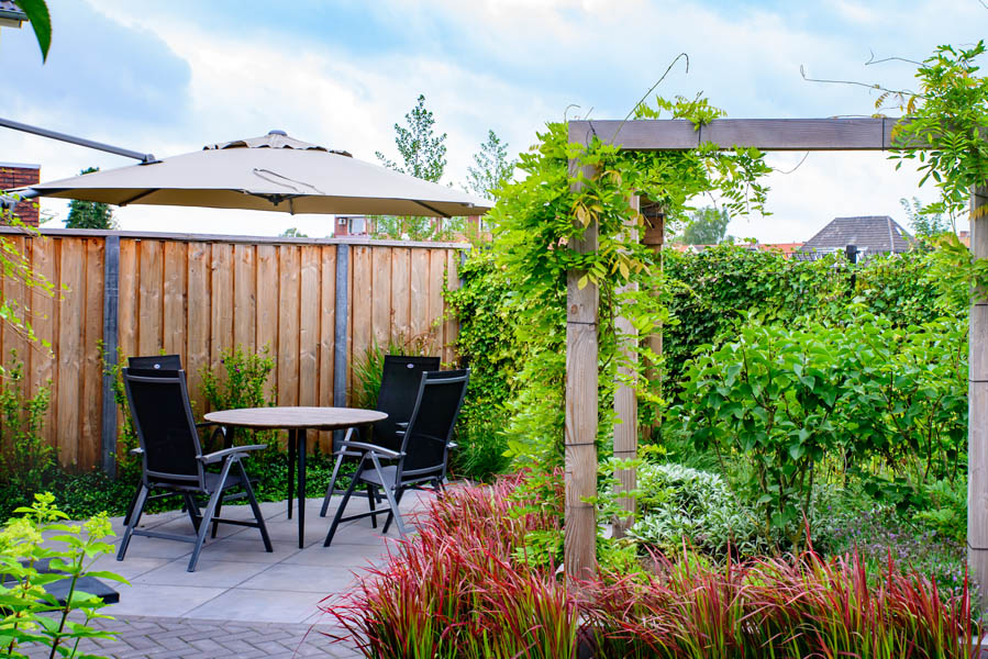 Moderne Tuin In Diagonalen Dutch Quality Gardens Eshuis Hoveniers 4