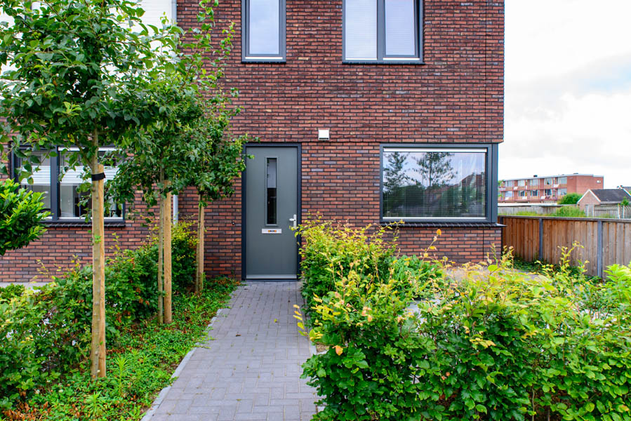 Moderne Tuin In Diagonalen Dutch Quality Gardens Eshuis Hoveniers 9