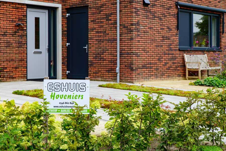 Natuurlijke Tuin Met Insectenhotel Eshuis Hoveniers 10