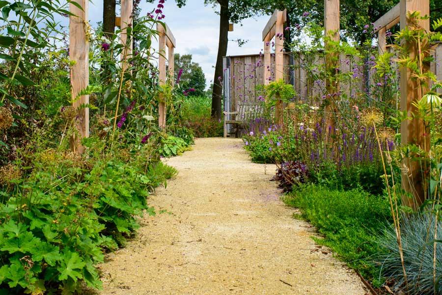 Natuurlijke Tuin Met Insectenhotel Eshuis Hoveniers 14