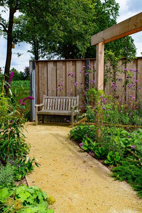 Natuurlijke Tuin Met Insectenhotel Eshuis Hoveniers 16