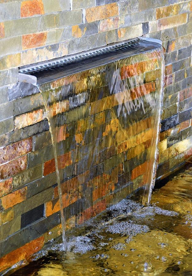 Strakke Tuin Met Waterpartij Mocking Hoveniers