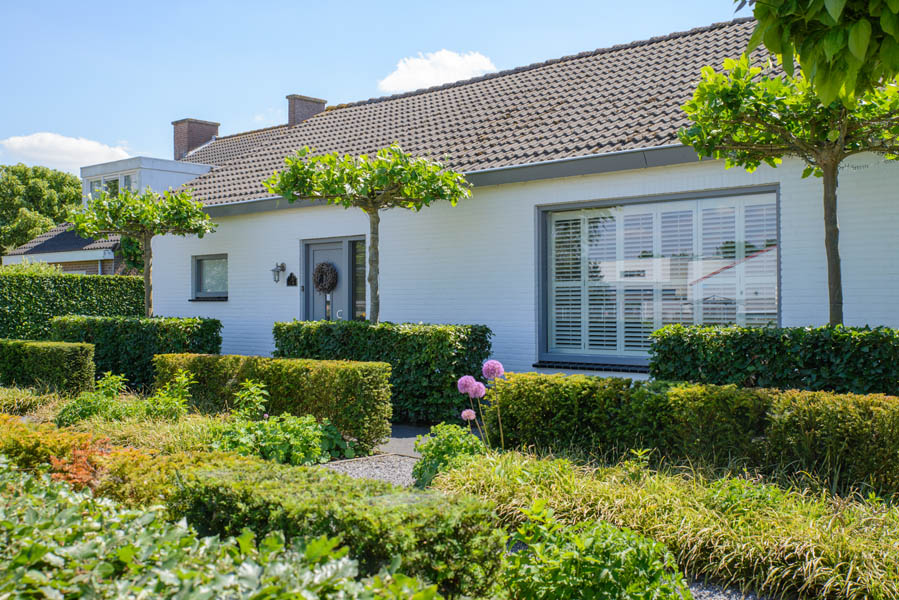 Groene Voortuin In Steenbergen (1)