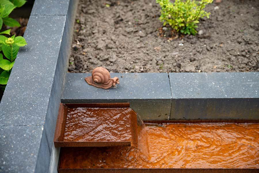 groen paarse tuin met cortenstaal waterelement (9)