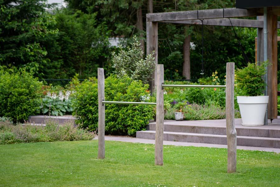 groene natuurlijke tuin met pergola (2)