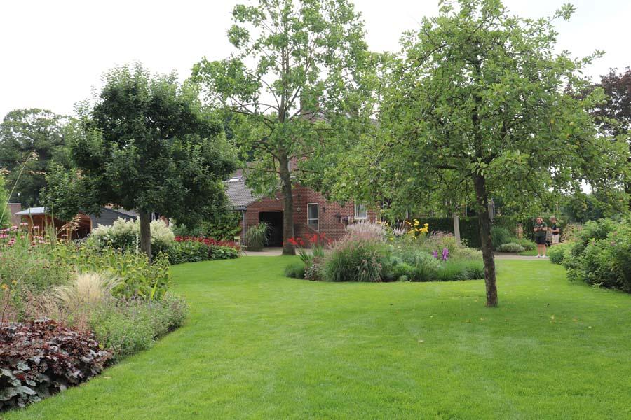 landelijke vrijliggende tuin (16)