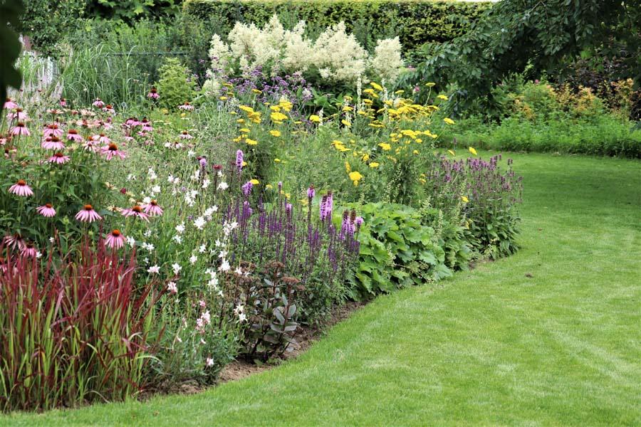 landelijke vrijliggende tuin (22)