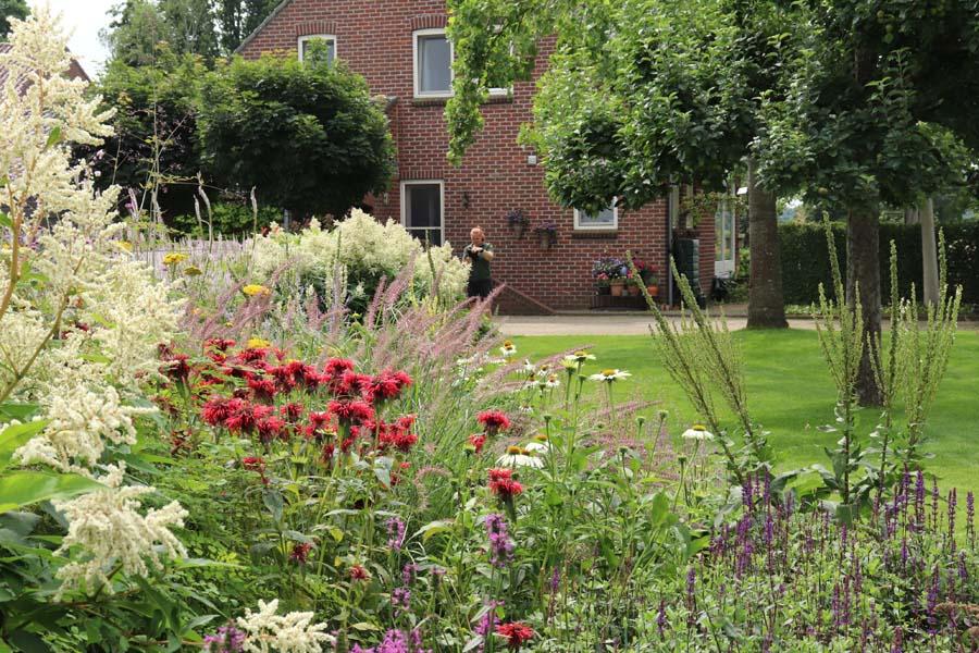 landelijke vrijliggende tuin (8)