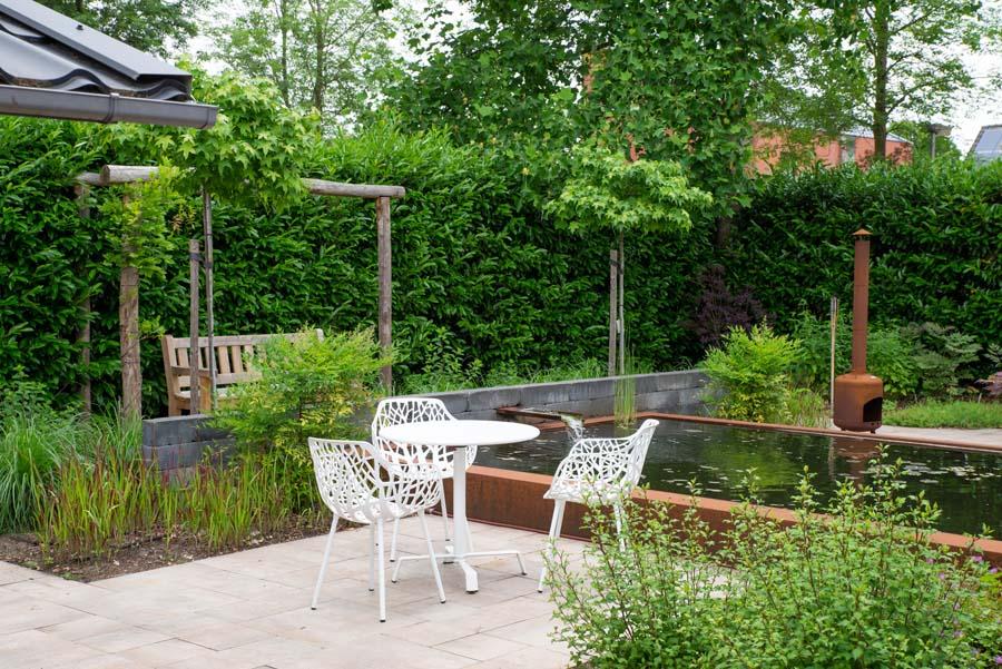 tuin met vijver van cortenstaal (13)