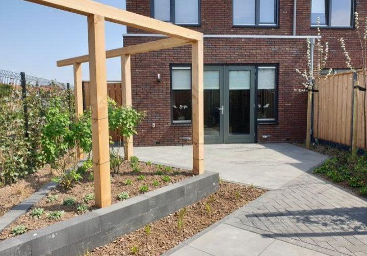Moderne tuin in diagonalen 1